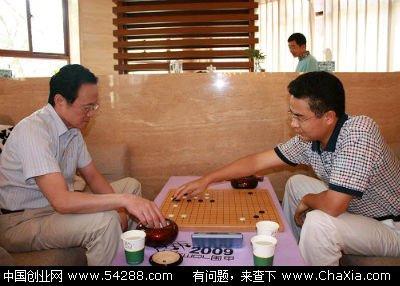 身价15亿与月工资5000元两个同学的区别:刘立荣和李盛